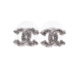 Authentic CHANEL CC Logo Knitted Crystal Earring